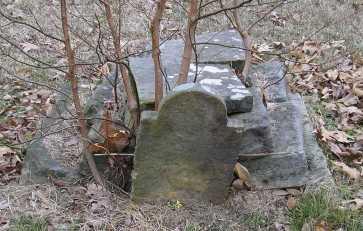 slave grave (2)